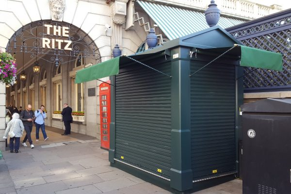 city-westminster-the-ritz-kiosk